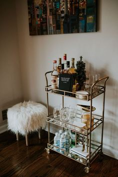 Home Bar Planning Size The very first step is to find out how big you would like your bar to be. If you would like to hide the bar in the wall, utilize the plywood you cut from the wall. Home Bar Decor, Bar Cart Decor, Vintage Home Decor, Ikea Bar Cart, Diy Bar Cart, Style Vintage, Kitchen Decor, World Market Bar Cart, Home Bars