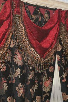 23 Popular Luxury Home Floorplans - Room Dekor 2020 Dining Room Curtains, Living Room Drapes, Drapes Curtains, Fancy Curtains, Valances, Shower Curtains, Luxury Home Decor, Luxury Homes, Window Treatments