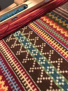 Krokbragd/Danskbrogd: A Bit About My Weaving and Design Process – Robbie LaFle. Krokbragd/Danskbrogd: A Bit About My Weaving and Design Process – Robbie LaFleur Inkle Weaving, Inkle Loom, Weaving Art, Tapestry Weaving, Hand Weaving, Weaving Designs, Weaving Projects, Weaving Patterns, Stitch Patterns