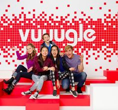 Learn More about Vuuugle in this Exclusive Sneak Peek of Bizaardvark! Disney Challenge, Disney Cast, Old Disney, Disney Channel Shows, Disney Shows, Series Da Disney, Walt Disney Animation Studios, Austin And Ally, Celebrity Dads