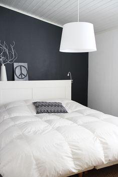 Makuuhuone mustavalkoinen