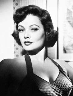 "classicmovieglamour: ""Gene Tierney "" Gene Tierny classic old Hollywood beauty Hollywood Icons, Old Hollywood Glamour, Hollywood Actor, Golden Age Of Hollywood, Vintage Glamour, Vintage Hollywood, Hollywood Stars, Vintage Beauty, Hollywood Actresses"