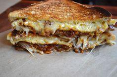 ridiculously great uses of brisket :Brisket mac & cheese sandwich : Meltkraft L Philadelphia, PA and Brooklyn, NY