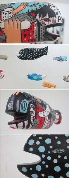 Esculturas de cerâmica do artista argentino Tec na Galeria Choque Cultural