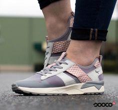 Deze super vrouwelijke sneakers zijn helemaal klaar voor de zomer!☀️  https://www.sooco.nl/tamaris-23701-grijze-lage-sneakers-30099.html