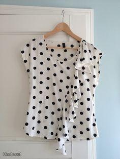 Mustavalkoinen sifonkipaita / Black and white shirt