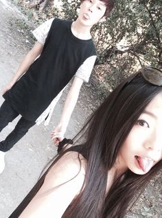 Image about girl in couples by Moon on We Heart It Korean Couple, Korean Girl, Asian Girl, Jimin, Allergic To Cats, Fall In Luv, Asian Love, Korean Ulzzang, Bts Beautiful