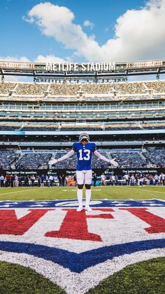 The National Football League has become a national disgrace after the last entire season became a political spectacle. Obj Football, Nfl Football Players, Giants Football, Sport Football, Odell Beckham Jr Wallpapers, Rugby Drills, Macho Alfa, Basketball Photography, Football Wallpaper