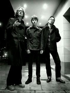 Jarvis Cocker, Alex Turner and Richard Hawley - Sheffield does have a fine musical heritage, doesn't it? Jarvis Cocker, Sheffield City, The Last Shadow Puppets, Yorkshire England, South Yorkshire, The Strokes, Alex Turner, Britpop, Jim Morrison