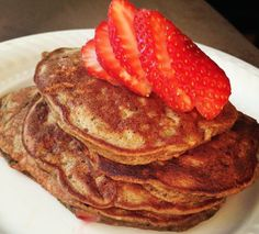 Protein Pancakes | Lexiscleankitchen.com
