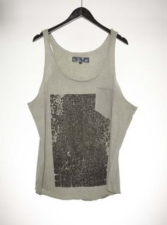 Cracked Print Pocket Series Singlet Olive #singlet #top #cracked #pocket #olive #fashion #lessismore #buy