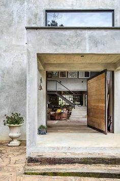 Puertas y ventanas de estilo moderno por Carlos Salles Arquitetura e Interiores