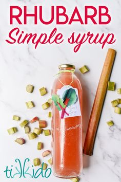Rhubarb syrup makes the most incredibly delicious summer drinks, like rhubarb cocktails and rhubarb lemonade. Rhubarb Fruit, Rhubarb Gin, Rhubarb Syrup, Rhubarb Muffins, Rhubarb Cocktail, Gin Fizz Cocktail, Ice Cream Toppings, Simple Syrup, Summer Drinks