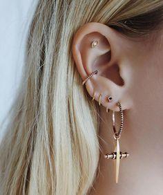 Piercing Conch Hoop Posts 18 Ideas For 2019 Cute Piercings, Body Piercings, Piercing Tattoo, Flat Piercing, Ear Jewelry, Body Jewelry, Fine Jewelry, Gold Jewellery, Silver Jewelry