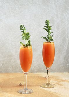 Get festive with your brunch cocktail selection. This recipe calls for just carrot juice and sparkling wine, but feel free to mix in some orange juice. Get the recipe. drinks 27 Easter Recipes That Won't Stress You Out Easter Drink, Easter Cocktails, Spring Cocktails, Hoppy Easter, Easter Dinner, Easter Brunch, Easter Food, Festive Cocktails, Sunday Brunch