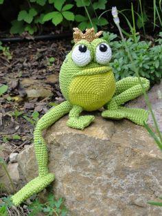 Amigurumi Crochet Pattern Henri le Frog by IlDikko on Etsy Crochet Frog, Crochet Diy, Crochet Amigurumi, Amigurumi Doll, Amigurumi Free, Knitted Dolls, Crochet Dolls, Frog Crafts, Knitted Animals