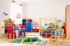Children's room with MAMMUT table and chairs
