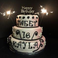 Sweet 16 cake www.taartenfeesies.nl