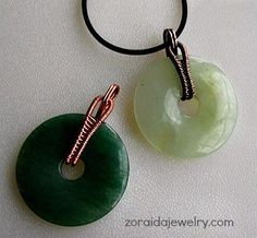 How to dress up a donut with a wireweave bail - free tutorial on http://artzjewelry.wordpress.com