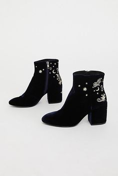 Slide View 2: Nadine Ankle Boot