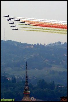 Le Frecce Tricolore su Torino, 6 maggio 2011,, province of Turino , Piemonte region Italy..impressive