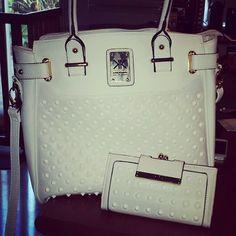 Kardashian Kollection Stylish Handbags, Lv Handbags, Purse Wallet, Clutch Bag, African Shop, Kardashian Kollection, Beautiful Handbags, Summer Bags, Handbag Accessories
