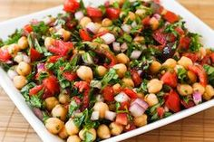 Kalyn's Kitchen®: Chickpea (Garbanzo Bean) Salad Recipe with Tomatoes, Olives, Basil, and Parsley--for me, skip olives add feta Chickpea Salad Recipes, Bean Salad Recipes, Vegetarian Recipes, Cooking Recipes, Healthy Recipes, Batch Cooking, Veggie Recipes, Fresco, Olive Salad