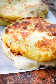 Pizzette potato stuffed in skillet - Pizzette di patate farcite in padella ricetta sfiziosa   Arte in Cucina