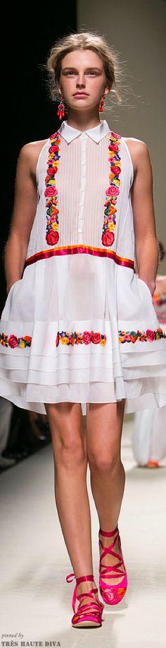 Milan FW Alberta Ferretti Spring/Summer 2014 RTW  http://www.nytimes.com/fashion | The House of Beccaria