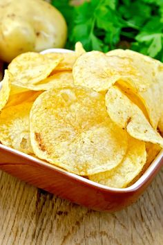 Homemade Homestyle Fried Potato Chips Snack Recipe with potatoes, salt, and oil…. Homemade Homestyle Fried Potato Chips Snack Recipe with potatoes, salt, and oil. Recipes Appetizers And Snacks, Yummy Snacks, Snack Recipes, Cooking Recipes, Yummy Food, Party Snacks, Pizza Recipes, Rice Recipes, Yummy Recipes
