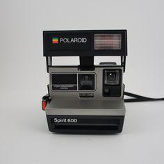 1000 images about vintage polaroid 600 cameras on pinterest polaroid instant film camera and. Black Bedroom Furniture Sets. Home Design Ideas