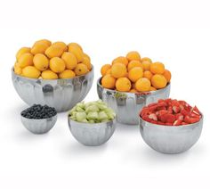 """Vollrath Round Double Wall Insulated Serving Bowl .75 quart - 47685 Case Pack: 6  Round Double Wall Insulated Serving Bowl, .75 quart, heavy-gauge stainless steel satin finish interior and mirror finish exterior, will not sweat, requires no preheating or chilling, dishwasher safe, 5-11/16"""" x 3"""", NSF, Imported"""