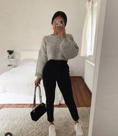 Idée de tenue - Outfit Ideas - Clothes - discover all our jewels and get discount 💖🥰 You are in the right place about outfits with - Teenager Outfits, Mom Outfits, College Outfits, Simple Outfits, Stylish Outfits, Summer Outfits, Fall Outfits, Cute Comfy Outfits, Cute Everyday Outfits