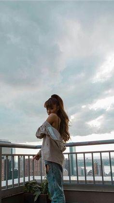 Ariana Grande Fotos, Cabello Ariana Grande, Ariana Grande Cute, Ariana Grande Photoshoot, Ariana Grande Outfits, Ariana Grande Pictures, Ariana Grande Background, Ariana Grande Wallpaper, Poses