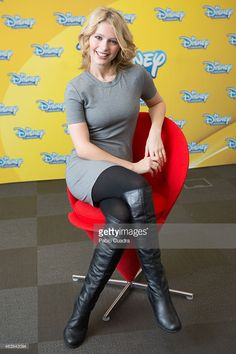 Alexandra Beaton poses during a photocall to present 'The Next Step' season 2 for Disney Channel TV Series at Walt Disney Company office on February 2015 in Madrid, Spain. Lucy Boynton, Disney Shows, K Pop Star, The Next Step, Disney Channel, Best Shows Ever, Iphone Wallpapers, Camilla, Tv Series