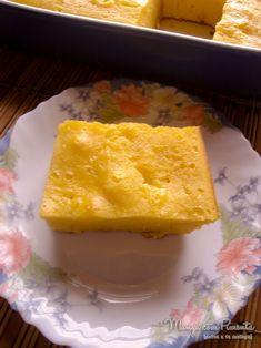 Bolo Pamonha, perfeito para o lanche da tarde. Clique na imagem para ver a receita no Manga com Pimenta.