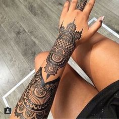 More from my trendy Tattoo kleine Mandala Liebe Henna Tattoo Hand, Et Tattoo, Hand Tats, Henna Mehndi, Mehendi, Tribal Hand Tattoos, Mehndi Art, Henna Tattoos, Henna Art