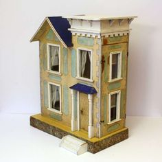 Vintage dollhouse ca. 1900, Deauville (wood framed) | Source: Belle Epoque