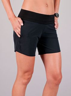 Long Roga running shorts by @oiselle - absolutely brilliant! Perfect for those of us who are large of butt and/or thigh or just a bit too modest for short running shorts. I want to live in these.