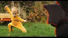 Video viral: Bebe al puro estilo Kill Bill (Dragon Baby)