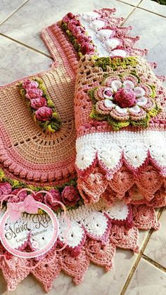 Crochet Doilies, Crochet Flowers, Knit Crochet, Crochet Table Mat, Bathroom Sets, Crochet Accessories, Bag Storage, Crochet Projects, Crochet Bikini