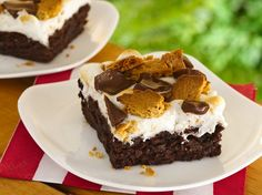 S'mores Brownies. Marshmallows, graham crackers and chocolate bars marry with fudgy brownies for s'more great taste!!