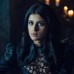 3 lessons strong women can learn from Yennefer in The Witcher on Netflix - Tech Girl - - Into The Badlands, Wolverhampton, Orange Is The New Black, Sombra Lunar, Twin Peaks, The Witcher Series, The Witchers, Yennefer Cosplay, Witcher Wallpaper