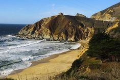 Montara state beach -Things to do in San Francisco Weekend In San Francisco, San Francisco Travel Guide, Yosemite National Park, National Parks, Golden Gate Park, Unusual Things, California Travel, Bay Area, Travel Inspiration