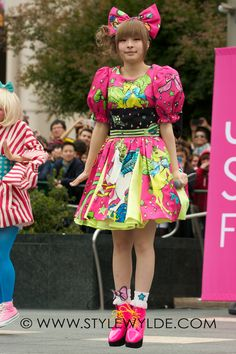 Kyary Pamyu Pamyu~~♥♪♫ Japanese music fashion icon--!☆★☆ live performance. . .kawaii fashion. . .neon unicorn dress