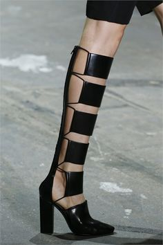 I guess these are good for people who's legs get too warm in regular boots!!???? Alexander Wang Primavera Estate 2013