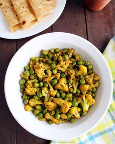 Gobi Matar sabzi - easy and delicious Indian spiced cauliflower and peas dry curry recipe
