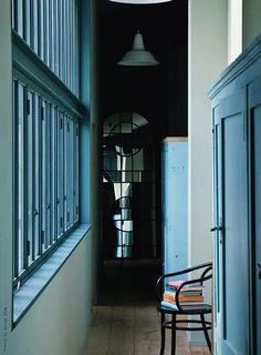 loft, located Place des Monges in Paris