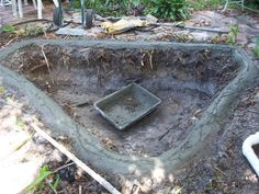 Concrete pond diy tadege pond and water garden for Concrete koi pond construction