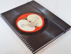 The Beatles Vinyl Notizbuch, Schallplatte  von VinylKunst Aurum - Schallplatten Upcycling der besonderen ART auf DaWanda.com